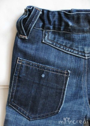 jeans dark pocket