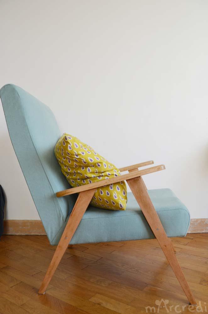 obsessed cette couleur ind finissable retapissage d un fauteuil vintage. Black Bedroom Furniture Sets. Home Design Ideas