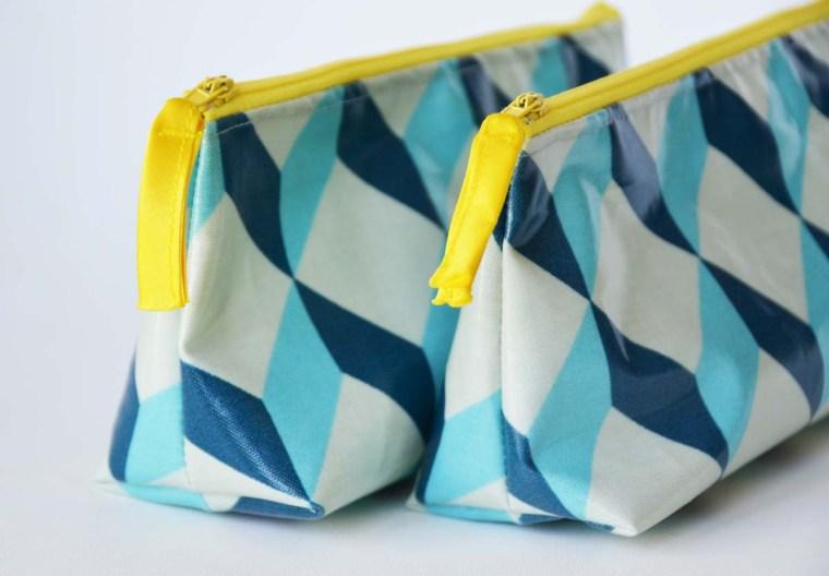 trousses-cubique-bleue-jaune
