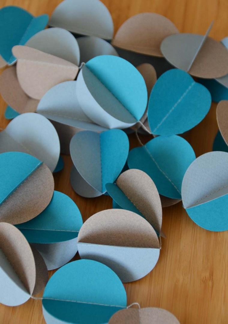 guirlande-papier-bleu-gris-deco