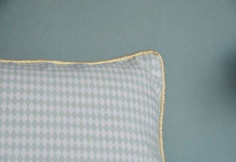 coussin-crochet-love-tissu-losange