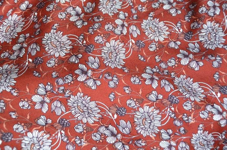 crepe-de-viscose-fleuri-rouille