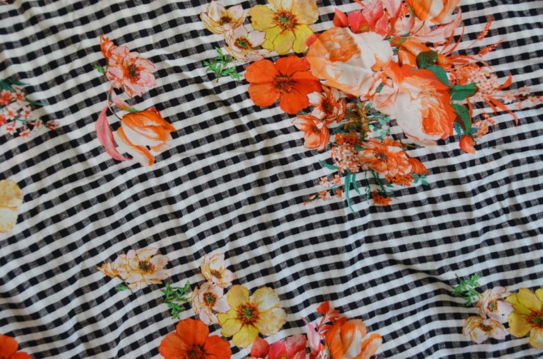 tissu viscose vichy fleurs