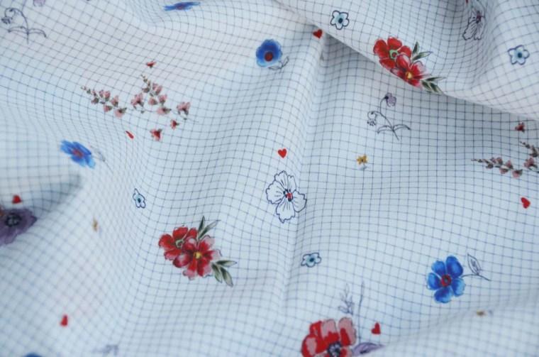 tissu coton carreaux fleurs